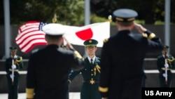 美日同盟被視為亞太安全的基石(美國軍方2015年3月25日照片)