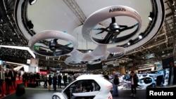"""El concepto """"Pop.Up"""" de Audi, Airbus e Italdsign en la 88 Feria Internacional Automotriz de Ginebra, Suiza. 6-3-18."""