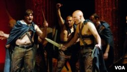 "Salah satu adegan dalam ""Caesar Must Die"" yang disutradarai oleh Paolo dan Vittorio Taviani."