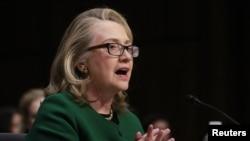 克林顿在就班加西袭击事件国会作证