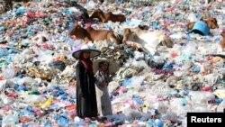 Các nhà nghiên cứu phát hiện rằng hơn 8,6 triệu người sống gần những bãi rác thải vào năm 2010 bị phơi nhiễm những hóa chất thực sự độc hại.
