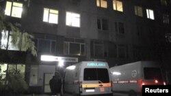 Des ambulances à l'hôpital de Sebastopol, en Crimée, le 22 novembre 2015. (REUTERS/Reuters TV)