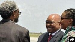 Le président sud-africain Jacob Zuma à son arrivée à Abidjan lundi.
