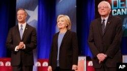 Các ứng viên tổng thống của Đảng Dân chủ (từ trái): Martin O'Malley, Hillary Clinton và Bernie Sanders tại Charleston, South Carolina, ngày 17/1/2016.