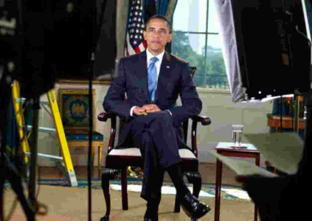 En una rueda de prensa, el primero de mayo de 2011, Obama declaró que un grupo de las fuerzas especiales del ejército estadounidense mató a Osama bin Laden.