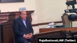 پنجاب کے وزیرِقانون راجہ محمد بشارت نے وائس آف امریکہ کو ایک انٹرویو میں مزید بتایا کہ ٹی ایل پی سے پاکستان کو درپیش خطرات کا مسئلہ کافی دنسے چل رہا تھا۔