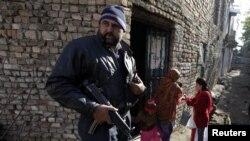 د بلوچستان په گډون د ملک په نورو برخو کې د پوليو په ټيمونو قاتلانه حملې شوي ،