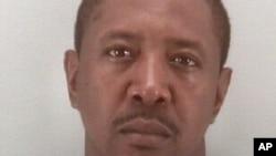 Está acusado de matar a la madre de las pequeñas, quien era su pareja. También será acusado de la muerte de las niñas.