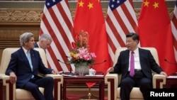 美国国务卿克里在第八届美中战略与经济对话期间与中国国家主席习近平会面。(2016年6月7日)