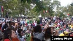 Para penonton World Meeting of Families di Philadelphia yang juga dihadiri oleh Paus Fransiskus.