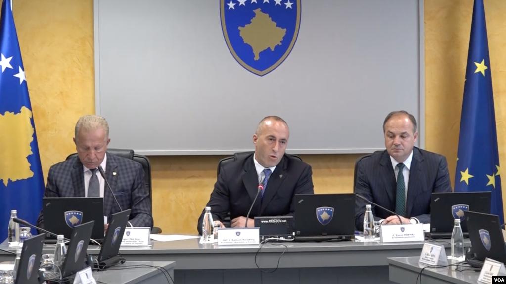 Kosovë, qeveria miraton platformën për përmbylljen e bisedimeve me Serbinë