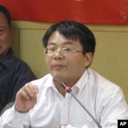 北京大学政府管理研究中心主任阎雨