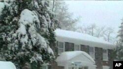 امریکہ کے مشرقی علاقوں میں برفانی طوفان، معمولات زندگی معطل