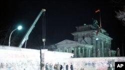 1989年柏林民众拆柏林墙