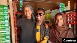 Abdii Geetaachoo, dargaggoo Jimmaa fi naannoo isheetti hojii tola ooltumma adda addaa hojjatu