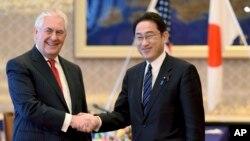 Державний секретар США Рекс Тіллерсон і міністр закордонних справ Японії Фуміо Кісіда в Токіо