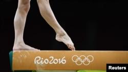 4일 브라질 현지에서 연습에 열중하고있는 리우데자네이루 올림픽 중국 체조대표 선수의 발을 가까이서 촬영한 모습.