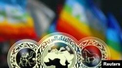 پرچمهای صلح از پشت پنجره بانک عرب در رم نشانگر موضعی بود که درقبال جنگ عراق گرفت – ۲۶ بهمن ۱۳۸۱ (۱۵ فوريه ۲۰۰۳)