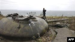 Дмитрий Медведев во время посещения острова Кунашир