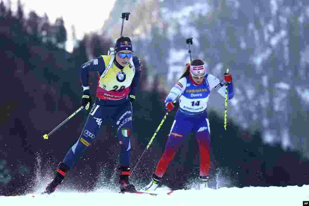 عکسی از مسابقه جهانی «ورزش دوگانه» یا «بیاتلون» که در حال حاضر در آلمان در حال برگزاری است. این بازیها از دو ورزش اسکی صحرانوردی و تیراندازی تشکیل شده است.