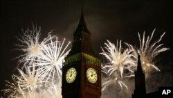 英國倫敦放煙花慶祝元旦