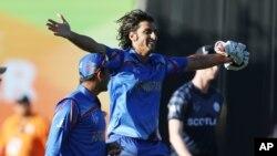 شاهپور زدران، بالر تیم ملی کرکت افغانستان