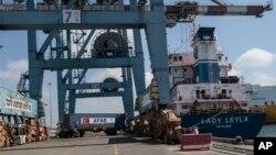 Kapal Turki 'Lady Leyla' yang membawa bantuan kemanusiaan bagi Gaza telah tiba di pelabuhan Israel, Ashdod hari Minggu (3/7).