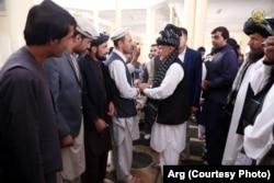 Afghan President Ashraf Ghani speaks to residents of Ghazni.