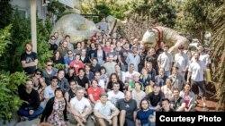 Rini Sugianto dan para karyawan WETA Digital, Selandia Baru