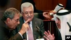 리비아에서 열린 아랍리그 외무장관회의에 참석한 마무드 압바스 팔레스타인 자치정부수반(사진중앙)