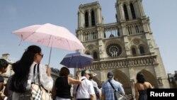 د پاریس په پیښه کې یو سل او دیرش کسان ووژل شول