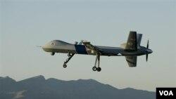 Pasukan Garda Revolusi Iran mengaku menembak jatuh sebuah pesawat mata-mata tak berawak AS, klaim yang dibantah militer AS.