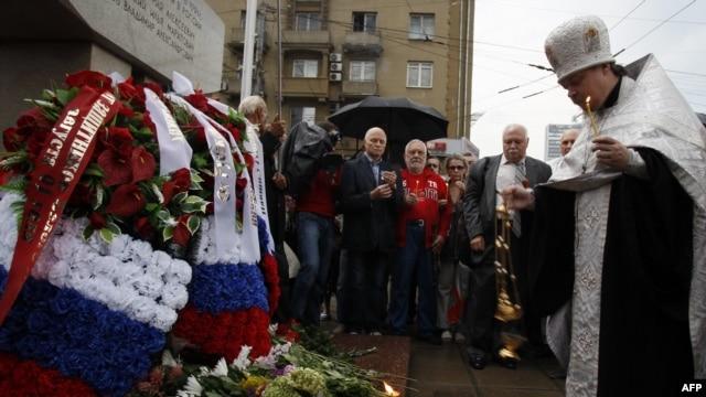 Комарь, Кричевский, Усов: память о героях 91-го