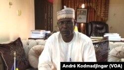 Ali Mbodou Mbodoumi, ministre de la Fonction, du travail publique, du dialogue social à N'Djamena, le 21 août 2019. (VOA/André Kodmadjingar).