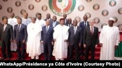 Bakambi ya CEDEAO (Communauté économique des états de l'Afrique de l'Ouest) na 56e Sommet etali bobandi ya mosolo Eco na Abuja, Nigeria, 21 decembre 2019. (WhatsApp/Presidence ya Côte d'Ivoiree)