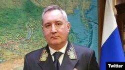Dmitri Roqozin (Foto Dmitri Roqozinin Twitter mikrobloqundan götürülüb)