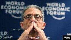 El secretario general de la Liga Árabe, Amr Moussa, al participar de la apertura del Foro Económico Mundial en Davos.