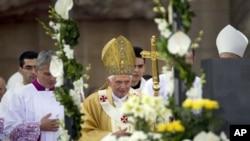 教皇本笃十六世在巴塞罗那圣家教堂