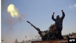 Forcat qeveritare libiane qëllojnë me raketa katër cisterna nafte në Misrata