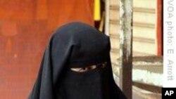 Francuski parlament preporučuje zabranu nošenja muslimanskog vela