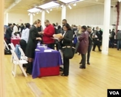 SAD: Generacije svršenih, a nezaposlenih studenata se sustižu