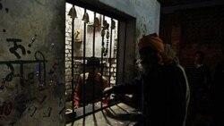 مسئول توزيع مشروبات الکلی آلوده در هند دستگير شد