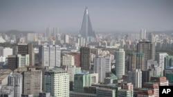 지난 5월 촬영한 북한 평양 시. 105층 류경호텔이 다른 건물들 위로 솟아있다.