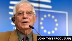 资料照片:欧盟外交与安全政策高级代表博雷利在欧盟外长会议后出席记者会。(2020年12月7日)