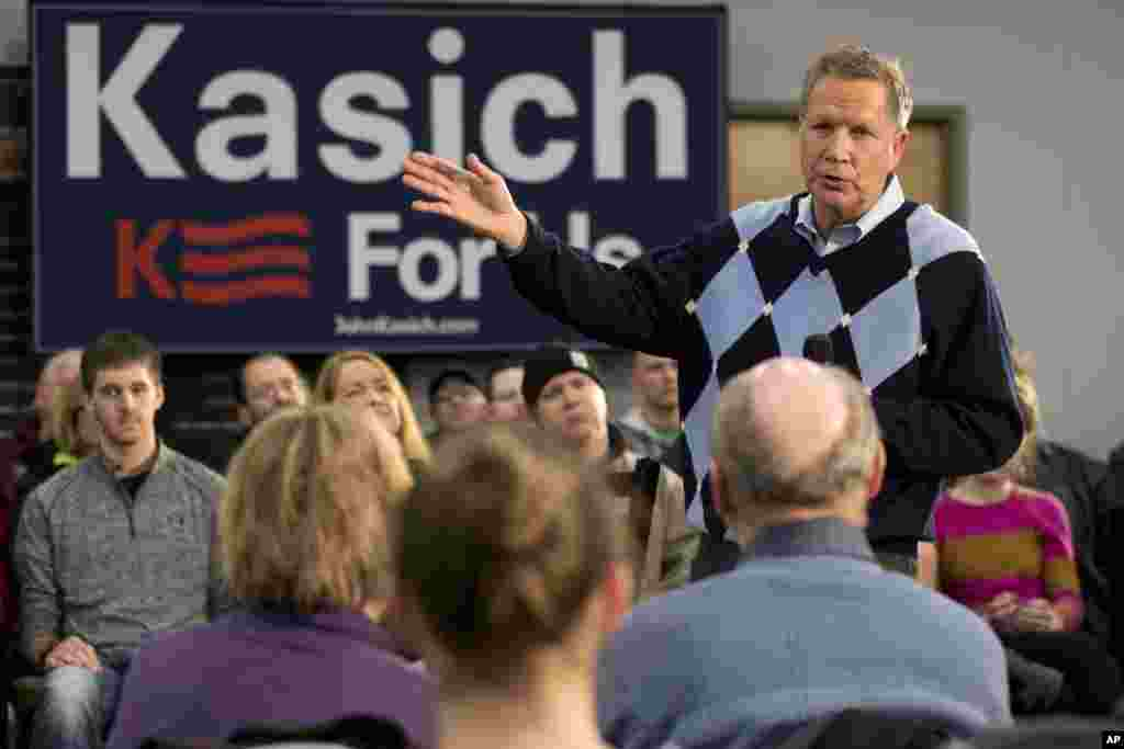 Republican presidential candidate, Ohio Gov. John Kasich speaks during a town hall meeting, Jan. 27, 2016, in Davenport, Iowa.