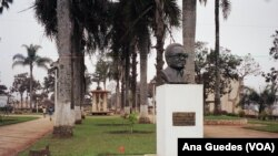 Busto em Angola (Arquivo)