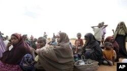 Moçambique: Seis mil somalis e etíopes abandonam campo de refugiados