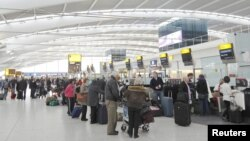 Suasana di bandara Heathrow, London (Foto: dok).