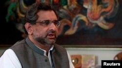 آقای عباسی پیشتر وزیر نفت پاکستان بود.