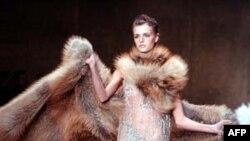 Công ty thời trang Fendi nổi tiếng về các trang phục bằng lông thú
